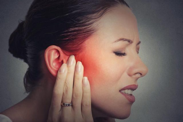 Болит ухо: что делать, как лечить