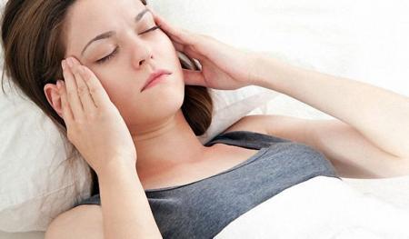 Причины и лечение шума в голове в домашних условиях