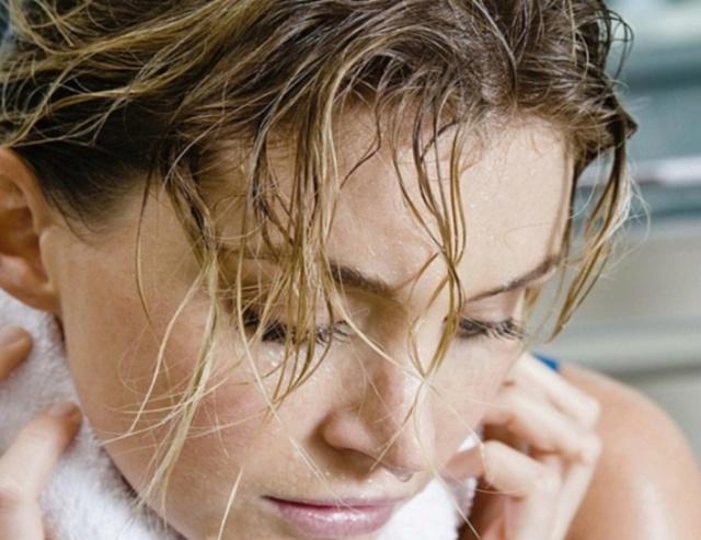 Потливость головы: причины, лечение, что делать
