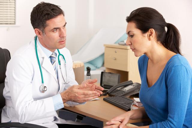 Пупочная грыжа у женщин: причины, симптомы, лечение, что делать