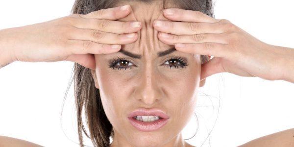 При ходьбе щелкает в голове: причины, диагностика, лечение и последствия