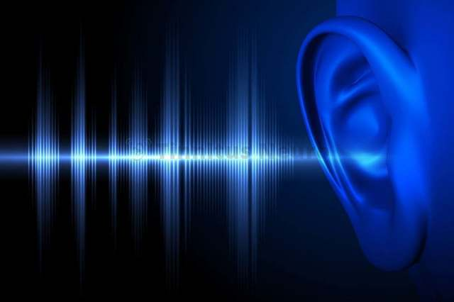 В левом или правом ухе пульсирует и шумит - причины и лечение