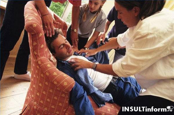 Первая неотложная помощь при инсульте