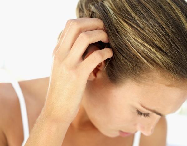 Образовался шарик или шишка на голове под кожей (у ребенка или взрослого): частые причины и лечение, виды уплотнений, к какому врачу следует обратиться