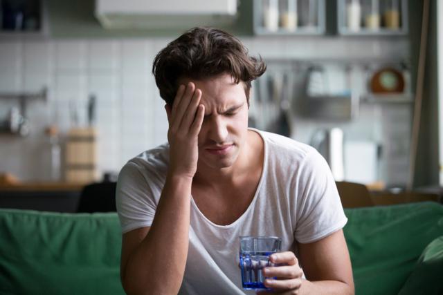 Алкоголь и тревоги: причины, риски и лечение