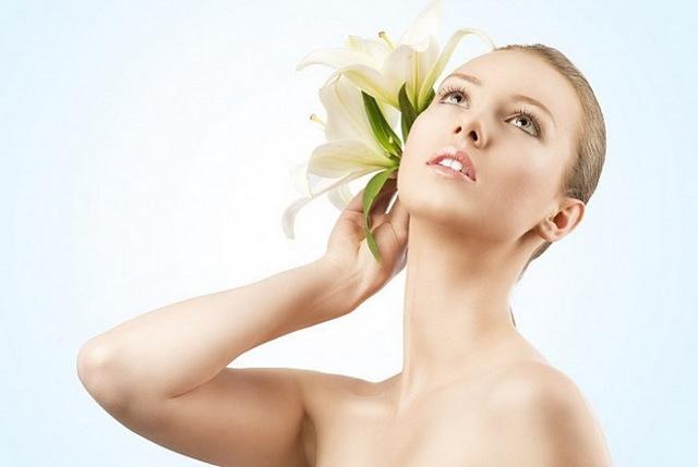 Шишка на затылке, уплотнение на ухо (у взрослого или ребенка): причины появления шарика, когда обращаться к врачу, что делать, как лечить
