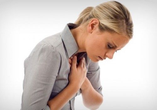 Комо в горле: тяжело дышать, стоит комок