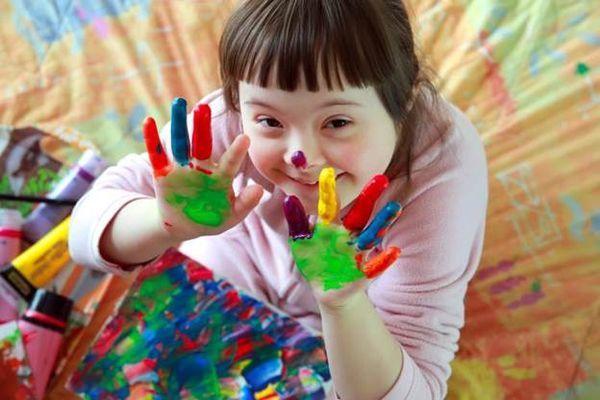 Умственная отсталость у детей : симптомы и лечение