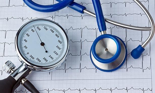 Почему понижается давление - причины понижения давления у человека