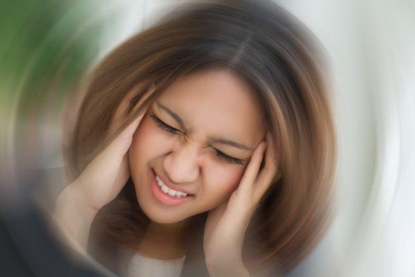 Приклоне головы вниз кружится голова: причины