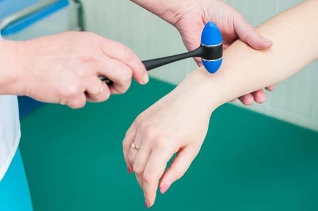 Невропатия лучевого нерва руки: симптомы и лечение