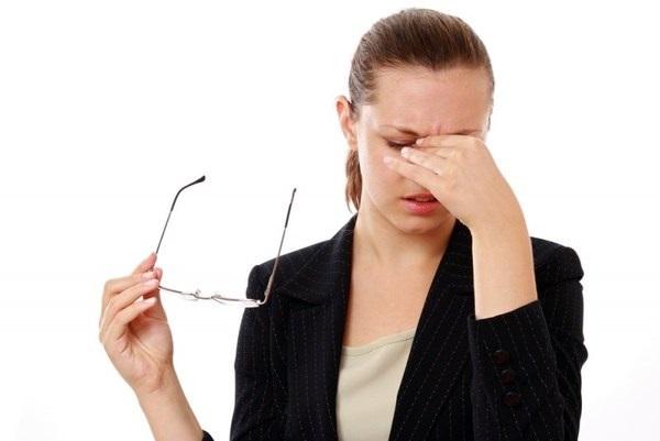 Один зрачок (один глаз) больше другого - причины у взрослых, лечение и профилактика