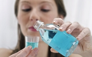 Мирамистин и хлоргексидин: в чем разница, состав лекарств, что лучше