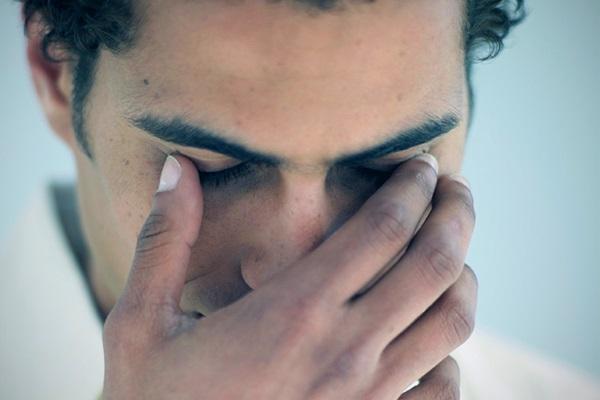 Болит глазное яблоко при движении - боль в глазах, причины, почему при повороте в глазу, при надавливании