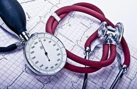 Причины низкого давления у женщин и мужчин: почему падает АД