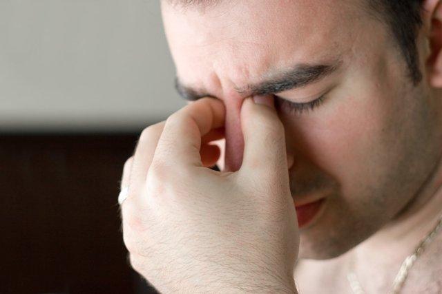 Болит глаз изнутри: причины боли внутри глазного яблока при обращении, что делать