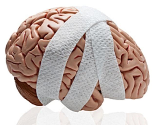 Болит голова в висках и тошнит: причины и первая помощь