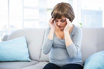 Что можно выпить от головной боли при беременности: 1 триместр и избавление от неприятных ощущений