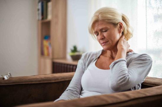 Головокружение, слабость и потливость: причины, опасность, лечение