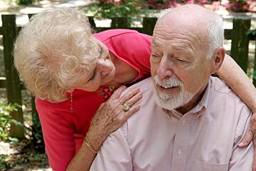 Болезнь Альцгеймера: симптомы и первые признаки в начальной стадии