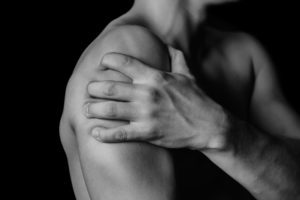 Болит все тело и ломает кости без температуры - причины ломоты 2020