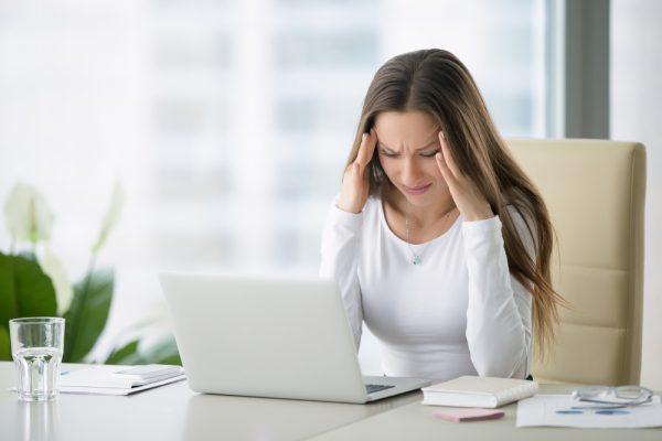 Покалывание в голове как иголками: причины