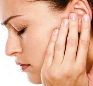Отит среднего уха - симптомы и лечение у взрослых, как лечить воспаление уха при наружном, гнойном, остром и хроническом отите антибиотиками