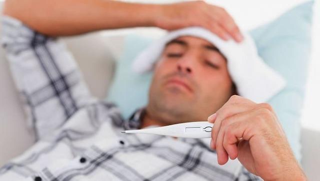 Белый налет на головке у мужчин: что это такое и как лечить