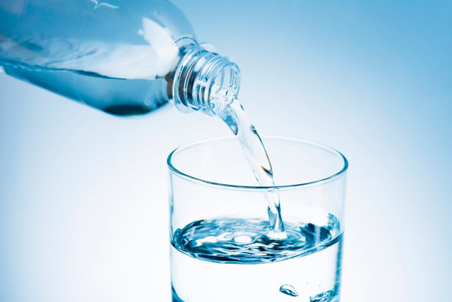 Что можно, а что нельзя перед сдачей крови из вены: приходить натощак или нет, разрешается ли пить?