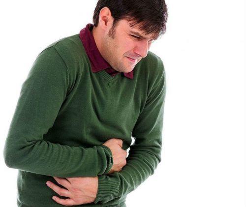 Боли вверху живота посередине: причины, что делать, к какому врачу обращаться