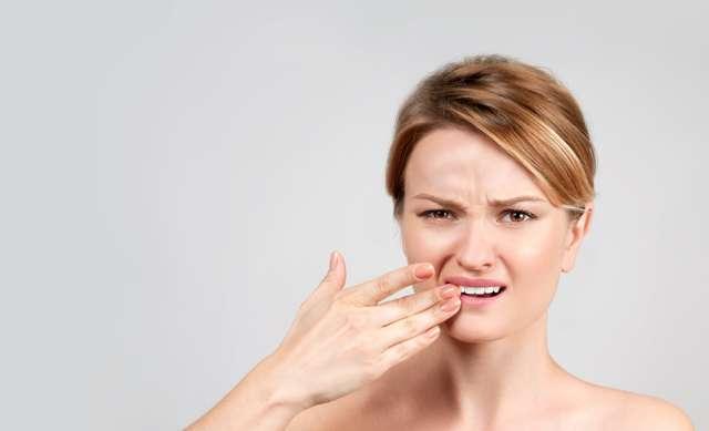 Воспаление слюнной железы под языком: причины, симптомы и лечение опухоли под языком