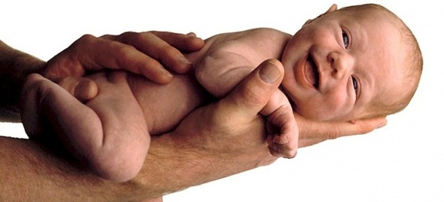 Причины и как остановить икоту у новорожденного?