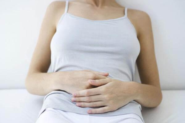 Почему перед месячными появляется изжога и как устранить этот симптом? Изжога на ранних сроках беременности