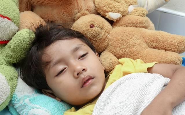Ребенка вырвало ночью, что делать?