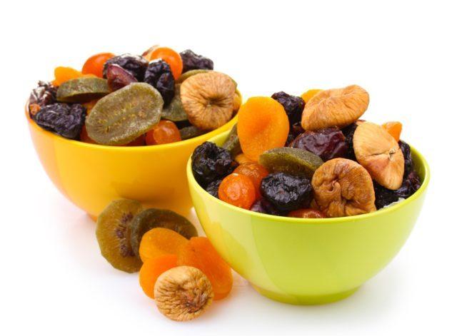 Сухофрукты от запора: лучшие рецепты смесей от недуга