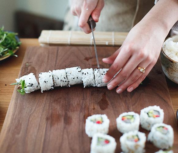 Роллы при гастрите: можно ли суши при гастрите