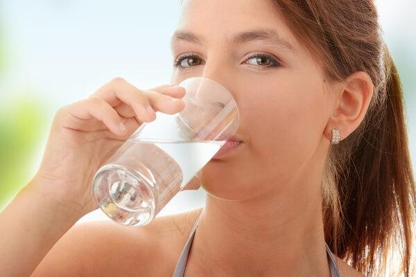 Сода от изжоги при беременности: можно ли пить во время вынашивания ребенка?