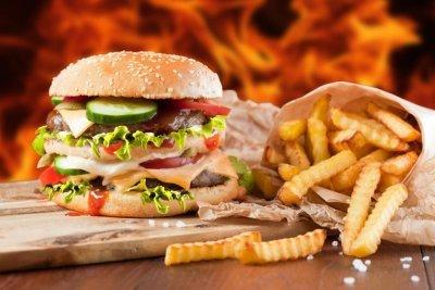 Тошнота после еды— причины уженщин имужчин