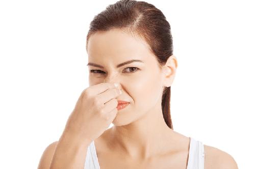 Необычный запах кала: причины и лечение