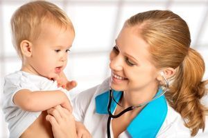 Почему возникает у ребенка сыпь на животе и что делать с недугом?