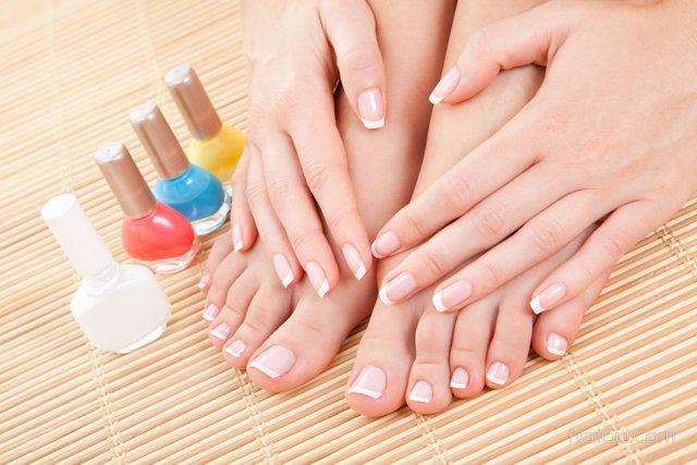 Ребристые ногти на руках: причины у женщин, почему ногтевая пластина стала вертикально и вдоль с полосками, бугристые неровности, лечение