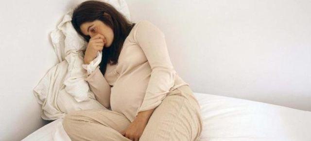 О чем говорят выделения при беременности на ранних и поздних сроках? Какие выделения при беременности считаются нормой?