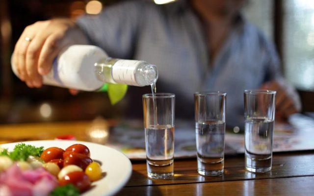 Болит желудок после алкоголя: что делать и чем лечить