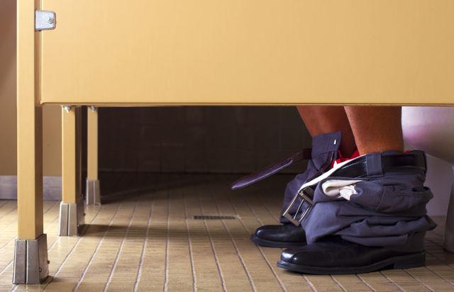 Темный кал (стул): причины, лечение, почему у взрослого кал темного цвета со слизью - что это значит
