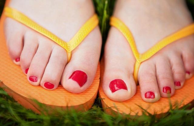 Грибок между пальцами ног - чем лечить?